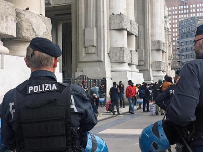Milano ragazzo tenta suicidio sotto la metropolitana for Ufficio 415 bis milano