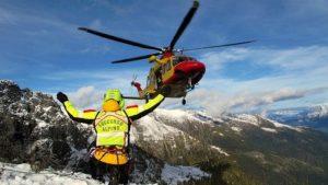 Svizzera, gruppo di 14 alpinisti bloccati da tempesta: 4 morti e 5 feriti gravi dopo una notte al gelo