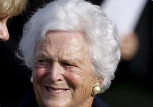 Barbara Bush, ex first lady americana morta a 92 anni: malata, ha rifiutato le ultime cure mediche