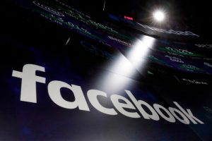 Facebook travolta da scandalo Cambridge Analytica