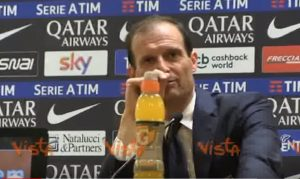 Allegri, show in conferenza stampa
