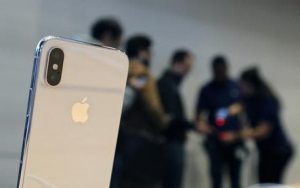 Apple, iPhone in arrivo a settembre. Ipotesi dual sim