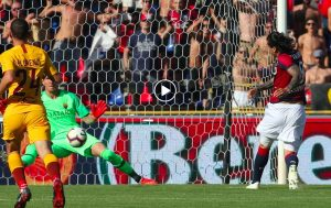 Bologna-Roma 2-0 highlights e pagelle, Mattiello-Santander video gol. Giallorossi in crisi