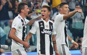 Serie A: è Juve-Napoli per lo scudetto, Lazio in zona Champions, Ventura esordio choc