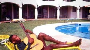 "Pele: ""John Lennon? I taught him to play guitar"""