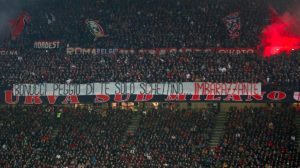 """Bonucci: choruses and insults from Milan fans and banner: """"You're like Schettino"""""""