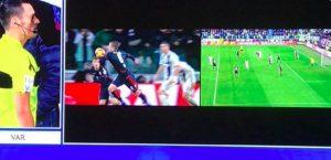 Bradaric VIDEO Juventus-Cagliari, hand or shoulder? VAR does not assign rigor