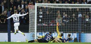 Enrico Mentana salta il tg su La7 per Tottenham-Inter a Wembley