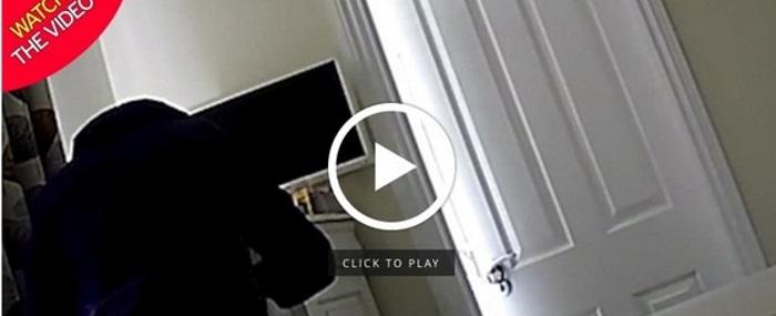 Telecamera nascosta in casa scopre il vicino che si tocca coi suoi calzini - Telecamera nascosta camera da letto ...