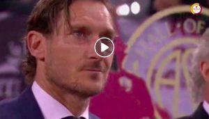 Francesco Totti entra nella hall of fame della Roma (VIDEO e FOTO): si commuove e commuove l'Olimpico