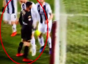 Cristiano Ronaldo VIDEO GOL decisivo nel derby, poi esulta dando una spallata a Ichazo e viene ammonito