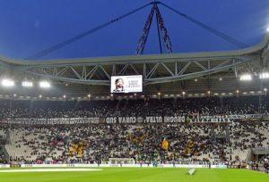 Torino-Juventus, arrestati dieci tifosi per scontri e lancio oggetti fuori dallo stadio