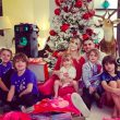 Wanda Nara breathtaking even at Christmas, the dress leaves everyone speechless. Videos and Instagram photos