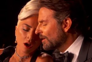 Lady Gaga, Oscar per Shallow. E la performance con Bradley Cooper fa sognare VIDEO