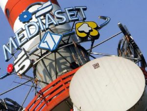 Mediaset, lo switch off che rischia di affondare il digitale terrestre (foto Ansa)