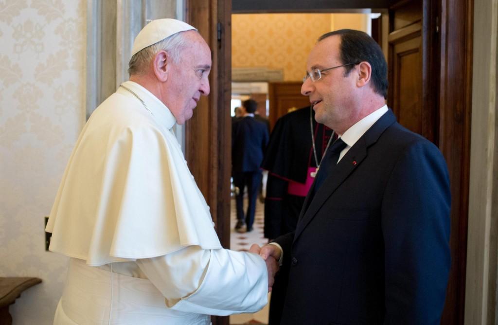 Hollande da Papa Francesco dopo lo scandalo all'Eliseo