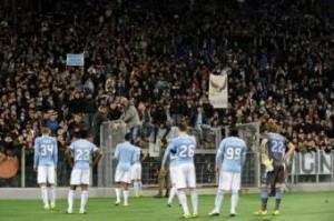 """Lazio, i tifosi ai calciatori: """"Perdete contro la Juventus"""" (LaPresse)"""