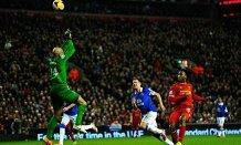 Spettacolo Sturridge pallonetto no-look per demolire l'Everton