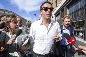 """Renzi-Berlusconi, le ombre dell'accordo firmato """"alla luce del sole"""""""