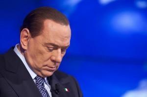 """Berlusconi: """"Bravo Renzi, va contro i suoi per incontrarmi"""""""