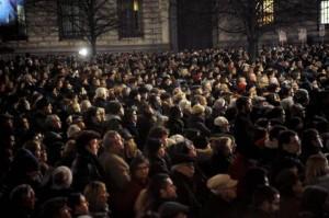 Claudio Abbado: 8mila persone lo ricordano in silenzio ascoltando Beethoven