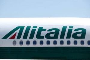 Alitalia conferma i 1.900 esuberi ma esclude licenziamenti