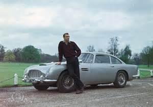 L'Aston Martin DB5 di James Bond