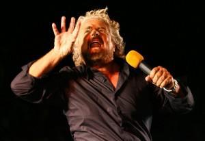 Spettacolo di Beppe Grillo nel quartiere CEP di Genova