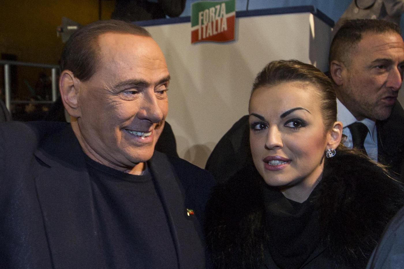Domenico De Siano capo di Forza Italia Campania: Francesca Pascale batte tutti