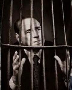 Ruby-ter, Berlusconi taglia paghetta alle Olgettine per paura dei domiciliari