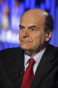 """Bersani ricoverato, Berlusconi: """"Abbraccio affettuoso ad un avversario leale"""""""