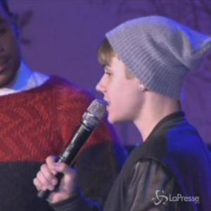 Justin Bieber, casa perquisita per un lancio di uova. Spunta la cocaina