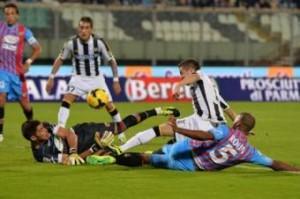 Calciomercato Napoli, Andujar è fatta ma resta a Catania sino a giugno (LaPresse)