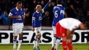 Calciomercato, John Heitinga gol dell'addio in Stevenage-Everton (video)