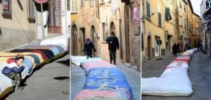 Santa Maria a Monte, calza della befana da record: è lunga 230 metri
