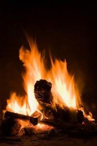 Camino esplode per ritorno di fiamma: