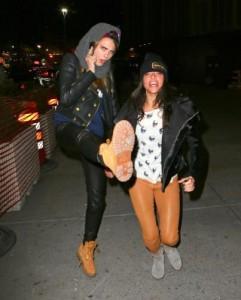 Cara Delevigne, toccatine lesbo con l'amica e Michelle Rodriguez