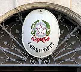 Bergamo, trova denaro in strada e lo porta dai carabinieri