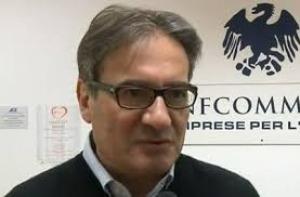 """Direttore Confcommercio L'Aquila barricato in Bankitalia: """"Ho taniche benzina"""""""