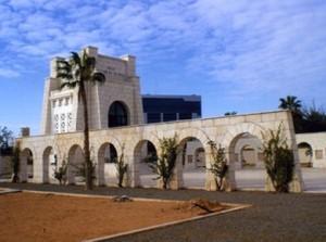 Cimitero italiano di Tripoli sotto attacco