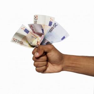 Credito impossibile: richiesta fidi ai massimi, prestiti ancora giù