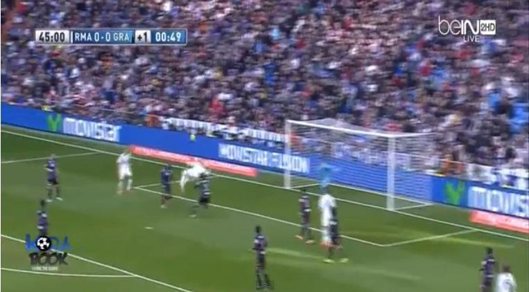 Cristiano Ronaldo, rovesciata-magia col Granada, ma il portiere para (video)