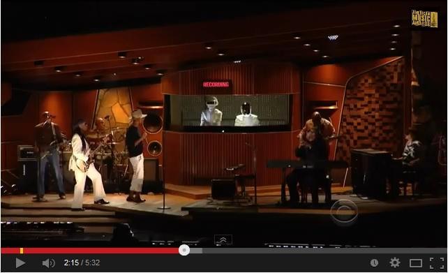 Get Lucky: Daft Punk, Pharrell Williams e Stevie Wonder live ai Grammy Awards (video)