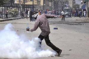 Egitto, violenti scontri tra dimostranti pro-Morsi e la polizia al Cairo
