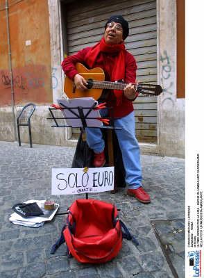Italia ultima in Europa: chi perde il lavoro ha più chance di trovarlo in Grecia