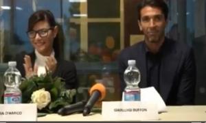 Gigi Buffon e Ilaria D'Amico: sorrisi e complicità