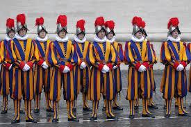 Guardie svizzere denunciano molestie sessuali da preti in Vaticano