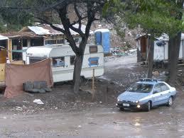 """Roma, tesoretto da 2 mln di euro: scoperti venti rom """"falsi poveri"""""""