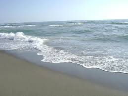 Ostia, barca si ribalta in mare: un disperso