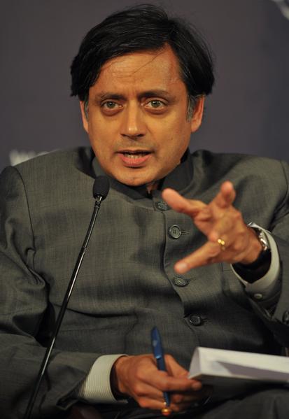 Il ministro indiano Sashi Tharoor